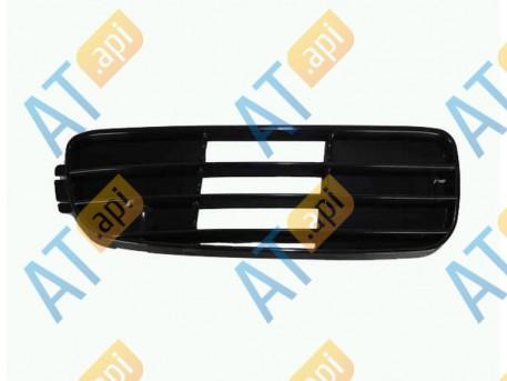 Решетка в бампер (правая) PAD99000CR
