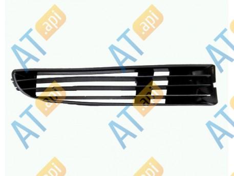 Решетка в бампер (правая) PAD99016(K)AR