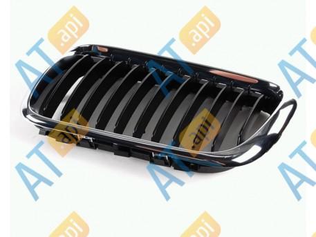 Решетка радиатора (левая) PBM07000GL