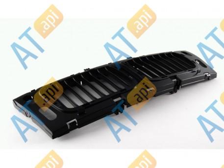 Решетка радиатора (центр) PBM07006GC