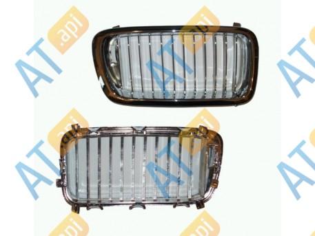 Решетка радиатора (правая) PBM07013GR