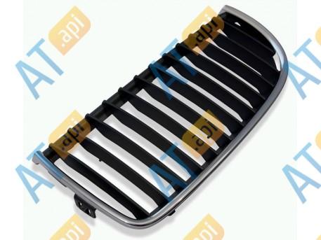 Решетка радиатора (левая) PBM07025GAL
