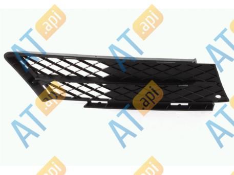 Решетка в бампер (правая) PBM99038GAR
