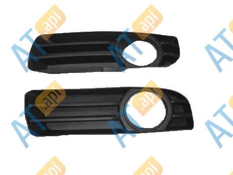 Заглушка бампера (правая) PCR99003CAR