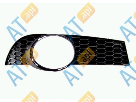 Решетка в бампер (правая) PCV99026CAR